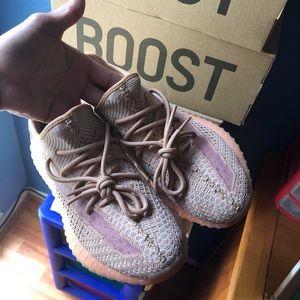 Yeezy 350 v2 'Clays'. Size 9.